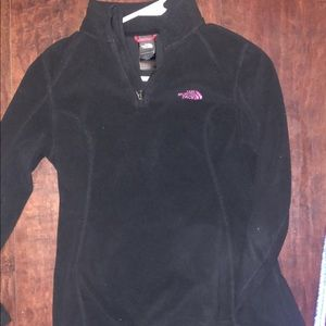 North face pull over. Like new